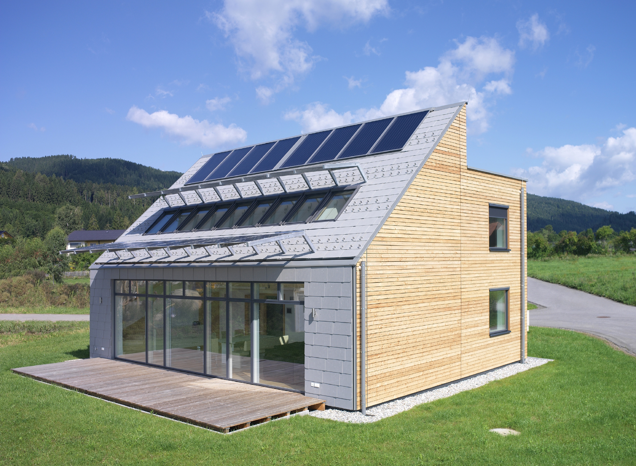 Solar activehouse active house for Solar energy house designs